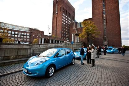 Электромобиль-бестселлер Nissan LEAF лидирует на европейском рынке и устанавливает в 2013 году новый рекорд продаж