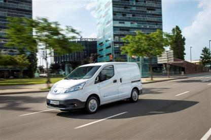 AVIS создает самый большой в Европе парк электромобилей Nissan
