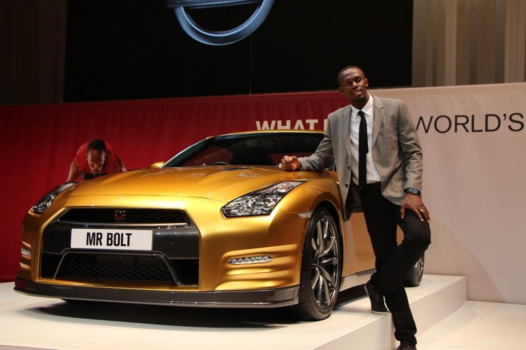 Эксклюзивный Nissan GT-R 'Bolt Gold'