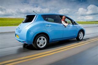 Префектуры Японии безвозмездно получат электромобили Nissan LEAF