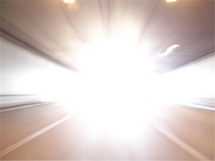 Ослепили дальним светом? Что делать?